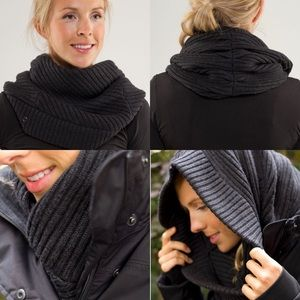 Lululemon Wool Movement Neckwarmer Heathered Black